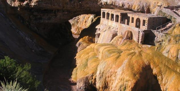 Puente del Inca - https://www.flickr.com/photos/stefatty/347694693