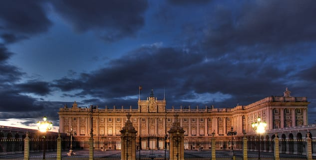 Královský palác v Madridu - https://www.flickr.com/photos/ramonduran/131489505