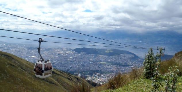 Lanovka TelefériQo až na Cruz Loma - https://www.flickr.com/photos/sheeprus/14772479856/