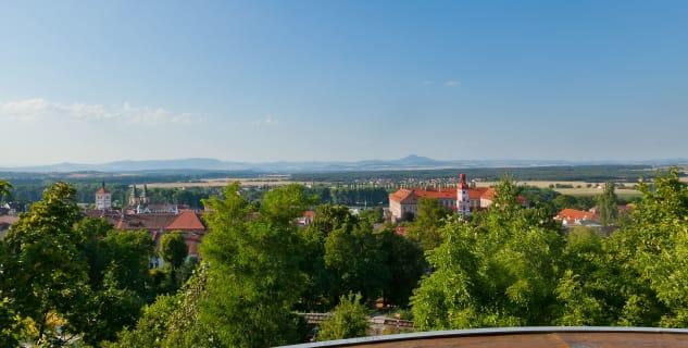Kratochvílova rozhledna - pohled z vyhlídky na město - http://www.vyletnarip.cz/cile/detail-cile/kratochvilova-rozhledna-roudnice-nad-labem