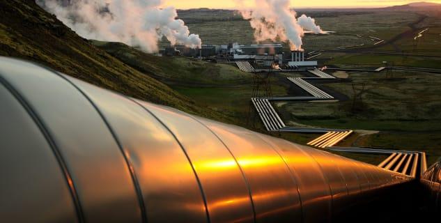 Geotermální elektrárna Hellisheiðarvirkjun - https://www.flickr.com/photos/jesusisland/10317258064/in/photolist-gHHyXD-7PumL4-gHGDnJ-ddhyc2-8SBcL4-ddhyja-CKd81-xCac7u-dUXkhD-ddhyjm-dUXjTz-8SEfC3-dUXk2i-ddhycA-CGcAyP-DfGHGc-Cij7CX-CibYUA-D8q5q8