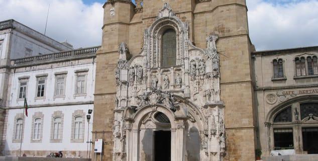 Kostel Santa Cruz - https://www.flickr.com/photos/cercamon/694986817