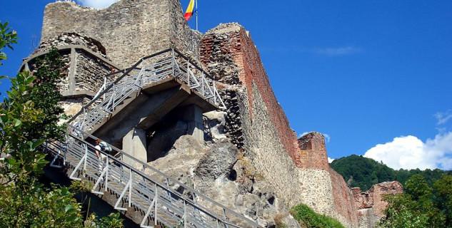 Citadela - pravé sídlo Drákuly - https://commons.wikimedia.org/wiki/File:PoienariCastle1.jpg