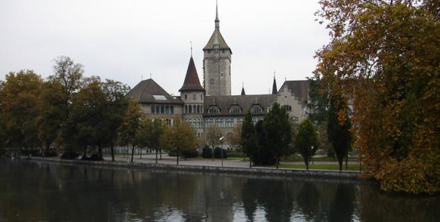 Švýcarské národní muzeum - https://www.flickr.com/photos/stepnout/1687033251/