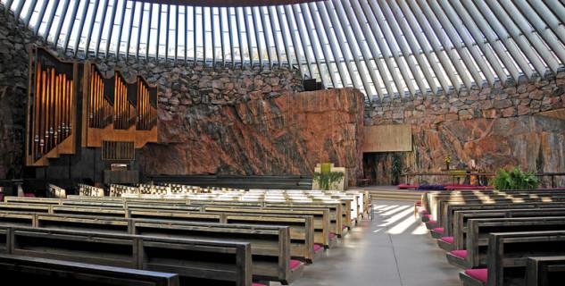 Kostel Temppeliaukio - https://www.flickr.com/photos/22490717@N02/4039341787/