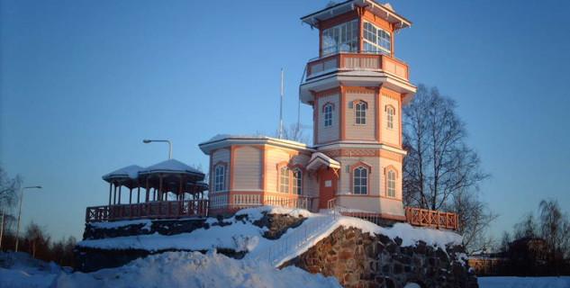 Hrad Oulu - Observatory Cafe - https://www.flickr.com/photos/hugovk/3518183192