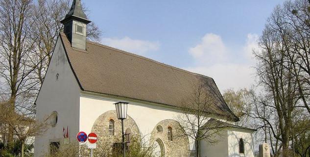 Kostel sv. Martina - http://commons.wikimedia.org/wiki/File:Martinskirche_Linz.jpg