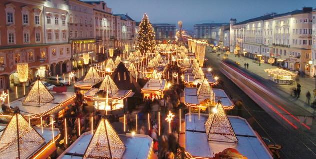 Vánoční trhy na náměstí v Linz - http://www.christkindlmarkt-linz.at/