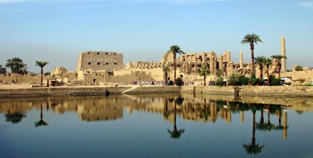 Karnak - https://www.flickr.com/photos/dorena-wm/5192813066