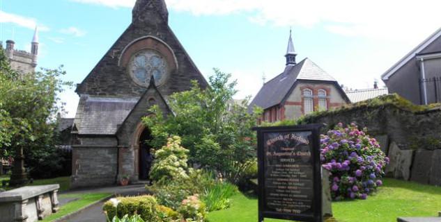 Kostel svatého Augustina v Derry - http://www.geograph.ie/photo/3065419