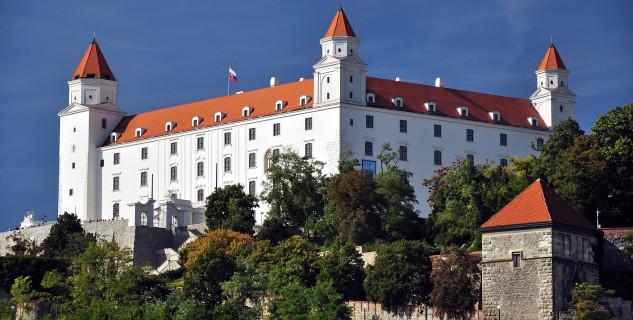 Bratislavský hrad - https://commons.wikimedia.org/wiki/File:Bratislava,_Hrad,_Slovensko.jpg