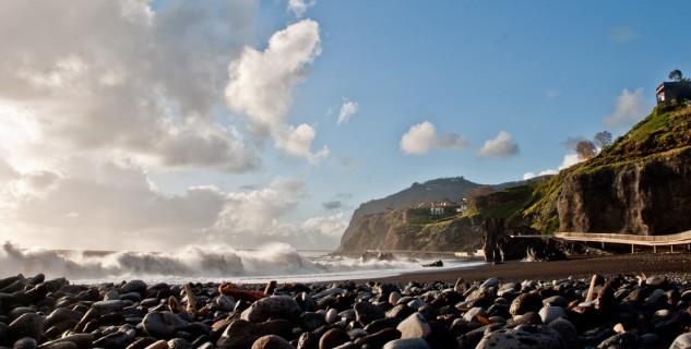 Pláž Praia Formosa  - https://www.flickr.com/photos/bartb_pt/5374666387/