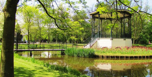 Vondelpark - https://www.flickr.com/photos/barbarawalsh/5723243713