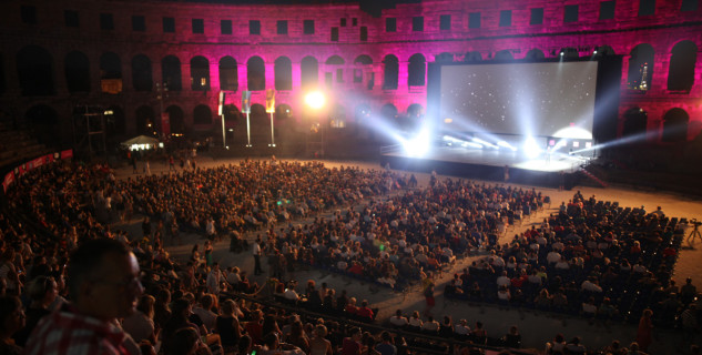 Pulský filmový festival - http://www.pulafilmfestival.hr/en/21st-july-screening-of-you-carry-me