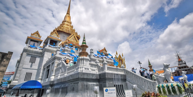 Wat Traimit - https://www.flickr.com/photos/teseum/48585592091/