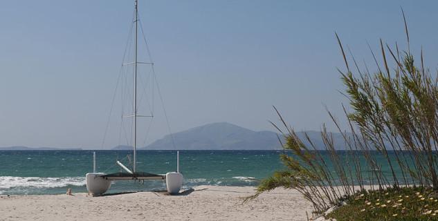 Pláž Mastihari -  https://commons.wikimedia.org/wiki/File:Mastichari,_Kos,_Greece_(5653595352).jpg