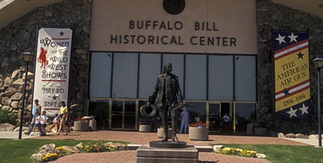 Buffalo Bill Center of the West - https://www.flickr.com/photos/sangre-la/2452675152/in/photolist-4JJASC-4NWvQ2-QXFtr2-R9cztB-PRNhjW-PRNgQ9-R9cCBF-PUxUwr-R9cFSP-R9cE4D-R9czTK-PRNia3-QyV58h-PRNjCy-QXB15M-R9czDX-R9cDoF-PRNhKf-QXAZtX-PRNjtf-R9cCkt-PUxYXa-PRNhXE-R5KMZQ-R9cALg-QXFtEZ-PRNgnL-R9cAic-R9cFd2-QXB1ix-R9cD2i-R9cBua-PUxY8p-QyZHBY-R9cESH-R9cB5c-R9cBW2-R9cDFV-y6nLqZ-z44EnV-y3GcLv-yYyJCw-y3Geng-y6nNo6-y3Gmw6-y3GdEp-yYyQx7-yXgtiN-yGXWdJ-yXgv1f