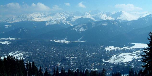 horní stanice lanovky na Gubalówce - https://commons.wikimedia.org/wiki/File:Zakopane_-_skiing_%2828%29.JPG
