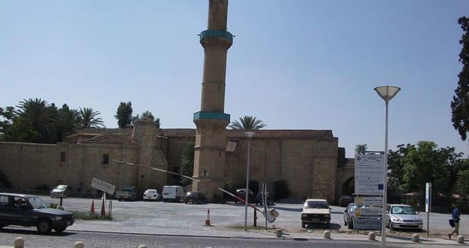 Mešita Omeriye - http://commons.wikimedia.org/wiki/File:%C3%96meriye_Mosque.jpg