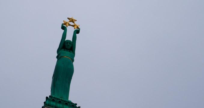 Pomník svobody - https://www.flickr.com/photos/guillaumespeurt/8532816550/