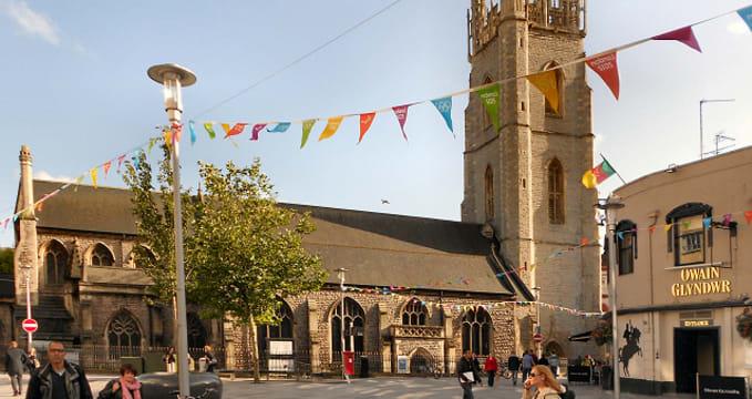 Kostel svatého Jana - http://www.geograph.org.uk/photo/3115086