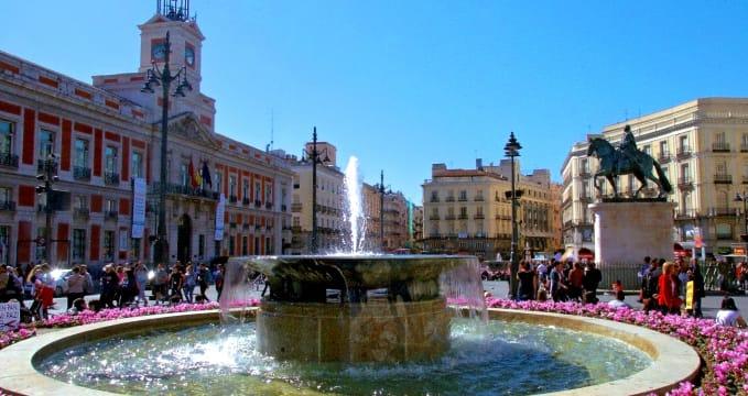 Puerta del Sol - https://www.flickr.com/photos/druidabruxux/6984439373