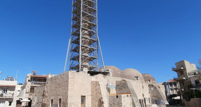 Mešita - https://commons.wikimedia.org/wiki/File:Neratze_Tzami.JPG?uselang=cs