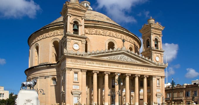 Mosta Dome 3 - https://commons.wikimedia.org/wiki/File:Mosta_Dome_3_(6800825926).jpg