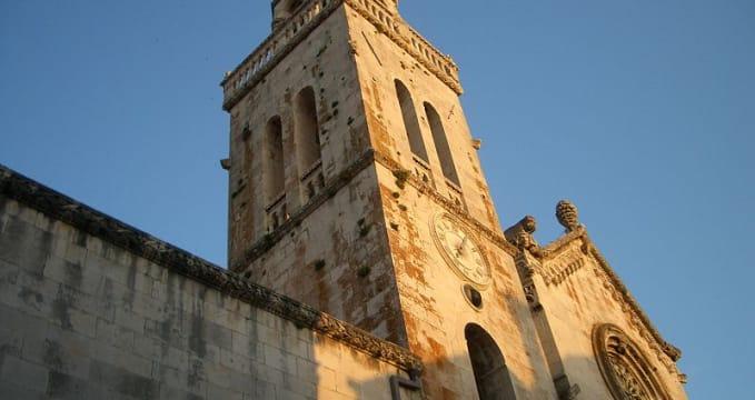 Kostel sv. Marka - https://commons.wikimedia.org/wiki/File:Korcula_tower.jpg?uselang=cs