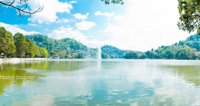 Jezero Kandy - https://www.flickr.com/photos/daran_kandasamy/5315483057/