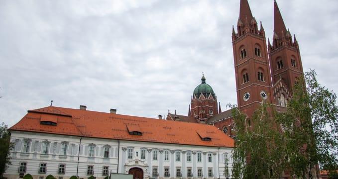 Biskupský palác s katedrálou -