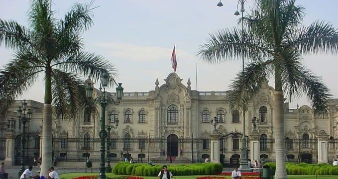 Prezidentský palác - https://commons.wikimedia.org/wiki/File:Casadepizarrolima.jpg