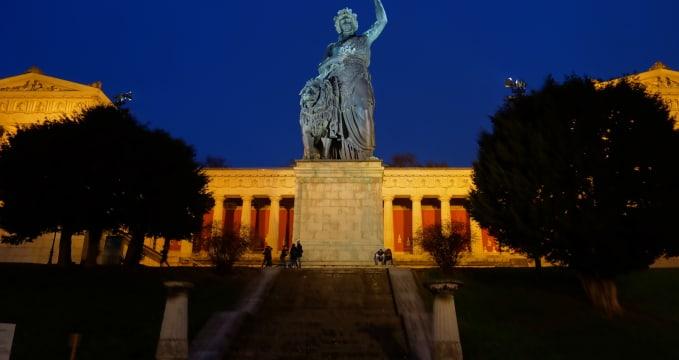 Socha Bavarie -