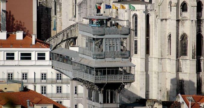 Výtah Santa Justa - https://commons.wikimedia.org/wiki/File:Santa_Justa_lift.jpg