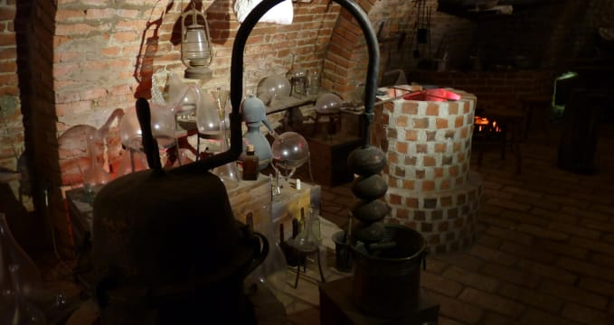 Alchymistická dílna v labyrintu -