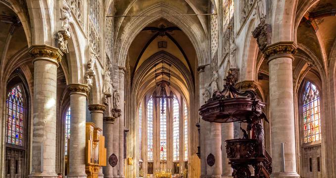 Église Notre-Dame du Sablon - https://www.flickr.com/photos/55267995@N04/27334609241/in/photolist-HDt21e-PYZd8-HDt4c8-szjcCt-oBD9BP-9bpBuu-dbdjih-HKL6DX-GQ2vTm-GQ8YZ2-shSGgM-oTSw3K-shVj4p-p5QNmf-HDta3g-hp5Xx3-hp67XM-PYZ4K-oU9cvM-dbdiNm-ec3mRC-oNnKtQ-oBDLAw-HKL3An-9bmuS8-9Z5bCL-p5QA4E-shTfVe-p3QzMo-PYZiV-kpnd9S-ai3hWu-payYXg-oNozqZ-oBCZxM-9Z5bsJ-hp5DYX-dbdgp4-oU93R2-9Z5bmj-hp7v8z-dbdjU9-HDtcnr-HKL9zr-hp5Spi-GQ2s61-85xr22-hp52nF-HKLf1g-yM9sS/