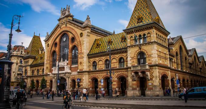 Centrální tržnice v Budapešti - https://www.flickr.com/photos/time-to-look/18561323572
