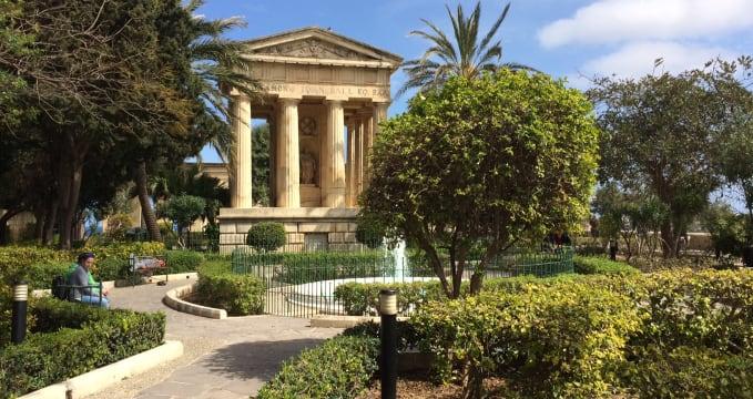 Lower Barrakka Gardens ve Vallettě -
