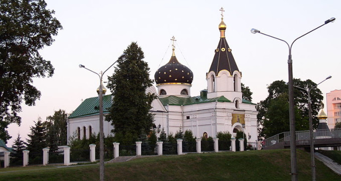 Kostel sv. Mary Magdalene - https://commons.wikimedia.org/wiki/File:Belarus-Minsk-Church_of_Mary_Magdalene-3.jpg