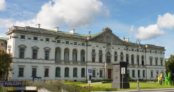 Palác Krasiński - https://commons.wikimedia.org/wiki/File:Pa%C5%82ac_Krasi%C5%84skich.JPG