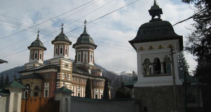 klášter - https://www.flickr.com/photos/gusevg/709107302/in/photolist-akEFSm-akGC7Q-akEbRf-25EmTY-6ixNNC-6ixNqo-6iy5Cs-6itWSa-6itFqD-6ixPd5-7qZnWk-2s95vV-ewK5ff-ewK4q9-2sdr6y-7FTP8P-bCksu6-37HvGE-2s96MP-37HvC7-7r4f7W-dhYJzT-7qZn8g-dhYL2T-ewK8w5-ewFRyz-ewFRKR-ewFTG2-ewFPAt-ewFTia-ewJYXW-ewK5Jm-ewK2sS-ewK7iu-ewK58A-ewK7Tu-ewK3sQ-ewK9xQ-ewK3HY-ewFQ7F-ewFS7R-ewFWk6-ewK2DC-ewFQNB-ewK47S-ewK28S-ewK6mb-ewFSJe-ewK97b-ewFVMp