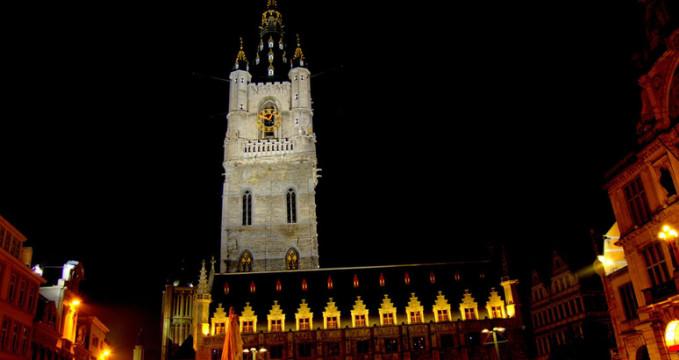 Ghent v noci - https://www.flickr.com/photos/worak/1231462733/