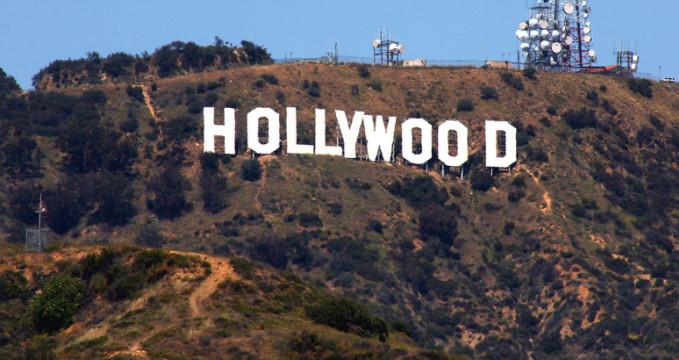 Nápis Hollywood - https://www.flickr.com/photos/photographerglen/5921490858