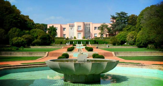 Fundação Serralves museum - http://commons.wikimedia.org/wiki/File:Fundaci%C3%B3n_Serralves_o_palacete_de_Miami.jpg