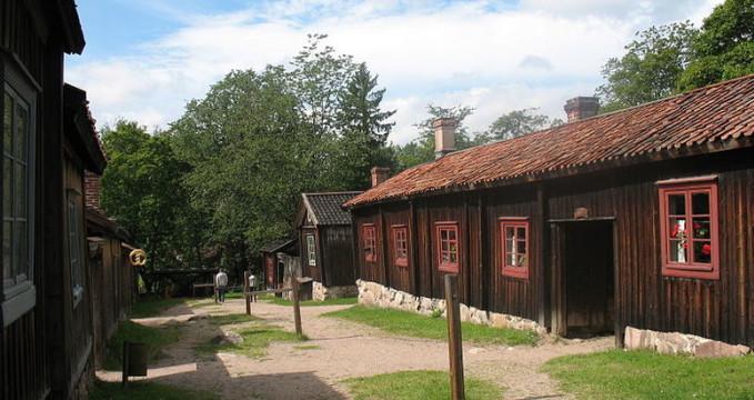 Luostarinmäki - http://commons.wikimedia.org/wiki/File:Luostarinm%C3%A4ki_Handicrafts_Museum.JPG