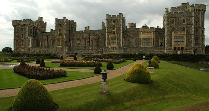 Windsor Castle - http://commons.wikimedia.org/wiki/File:WindsorCastleEastSide.jpg