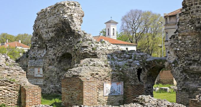 Římské lázně ve Varně - https://www.flickr.com/photos/magtravels/6752201813/