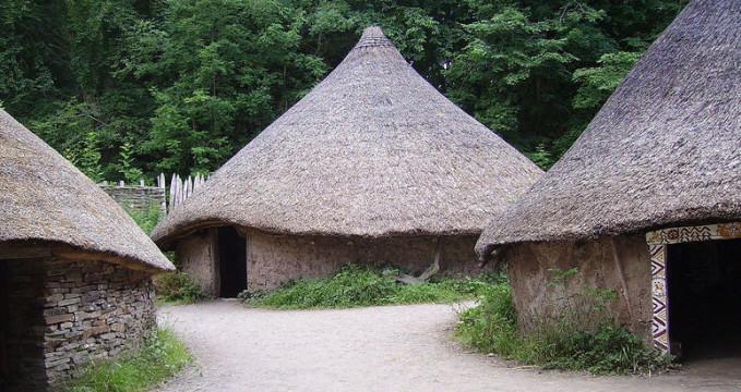 Národní muzeum historie St. Fagans - http://commons.wikimedia.org/wiki/File:Celtic_Village_St_Fagans_01.JPG