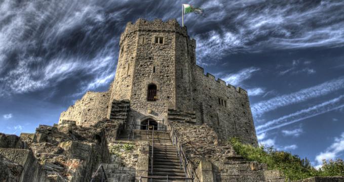 Cardiffský hrad - https://www.flickr.com/photos/max-design/4001061277/