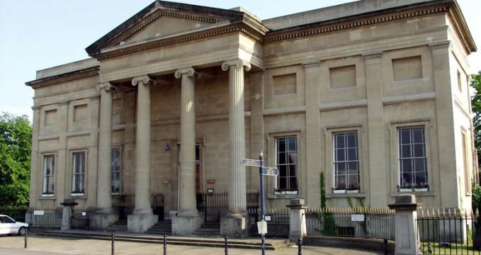 Muzeum Swansea - http://www.swanseamuseum.co.uk/visit-swansea-museum